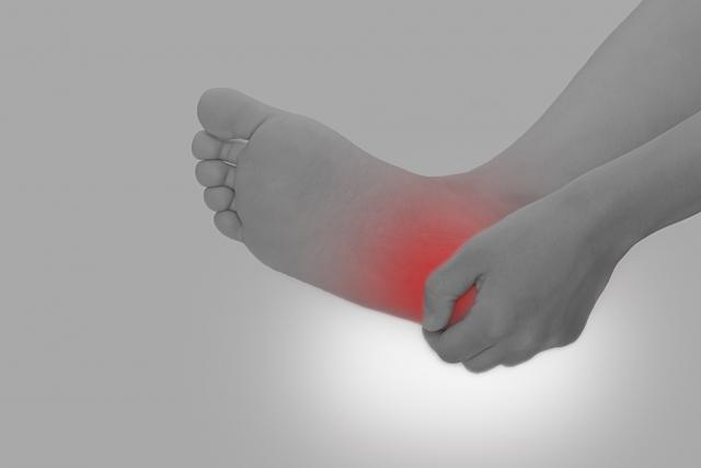 運動していないけど足がしびれきた…糖尿病性末梢神経障害とは